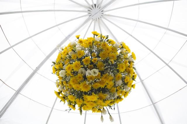 חתונת קונספט - יריד אמריקאי - עיצוב ראש חופה - סידור פרחים