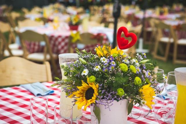 חתונת קונספט - יריד אמריקאי - עיצוב שולחן