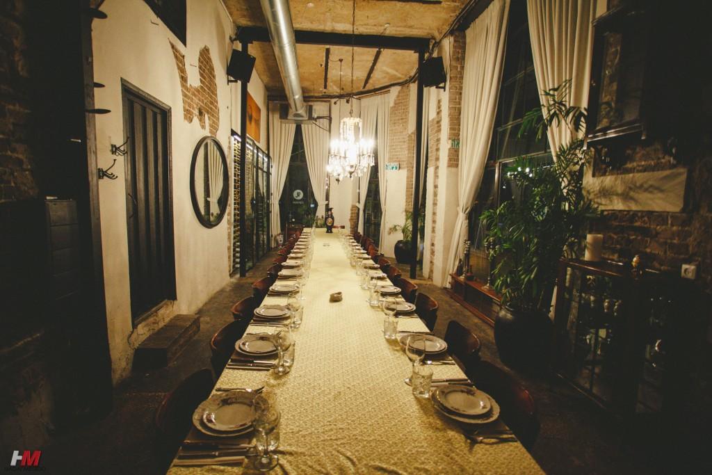 תמונת אווירה - מסעדה שולחן ערוך