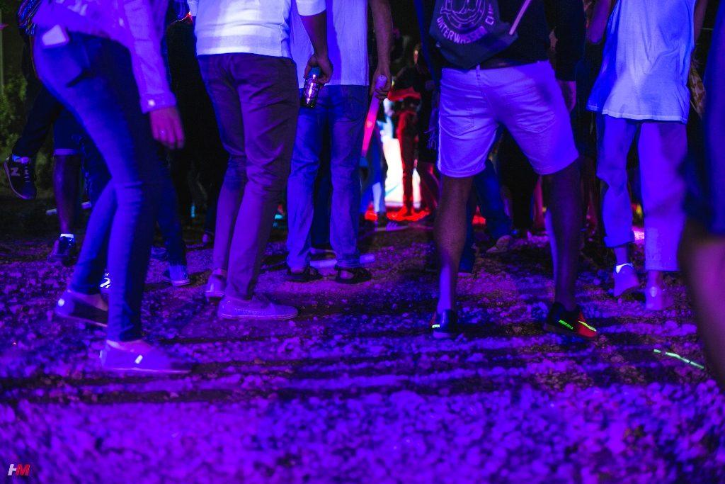 מסיבת פולמון   אנשים רוקדים