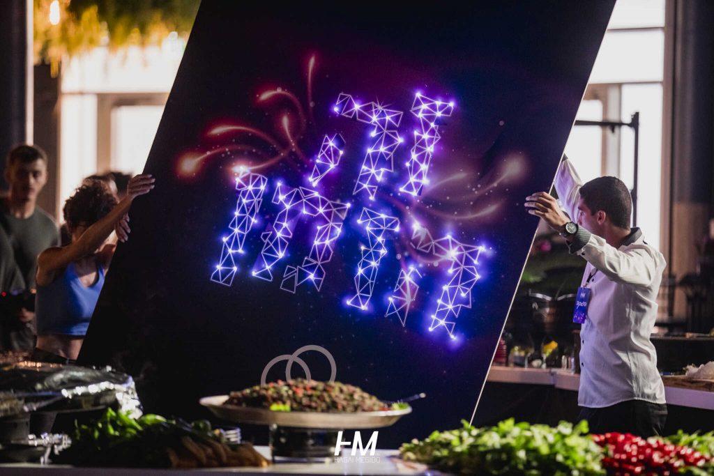 אירוע מצטיינים כנס חנן בן ארי ארווזיון מופע גרנדיוזי תותחי עשן במה תאורה הגברה מסכי ענק חגי מגידו HM הפקות